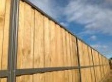 Kwikfynd Lap and Cap Timber Fencing acaciagardens